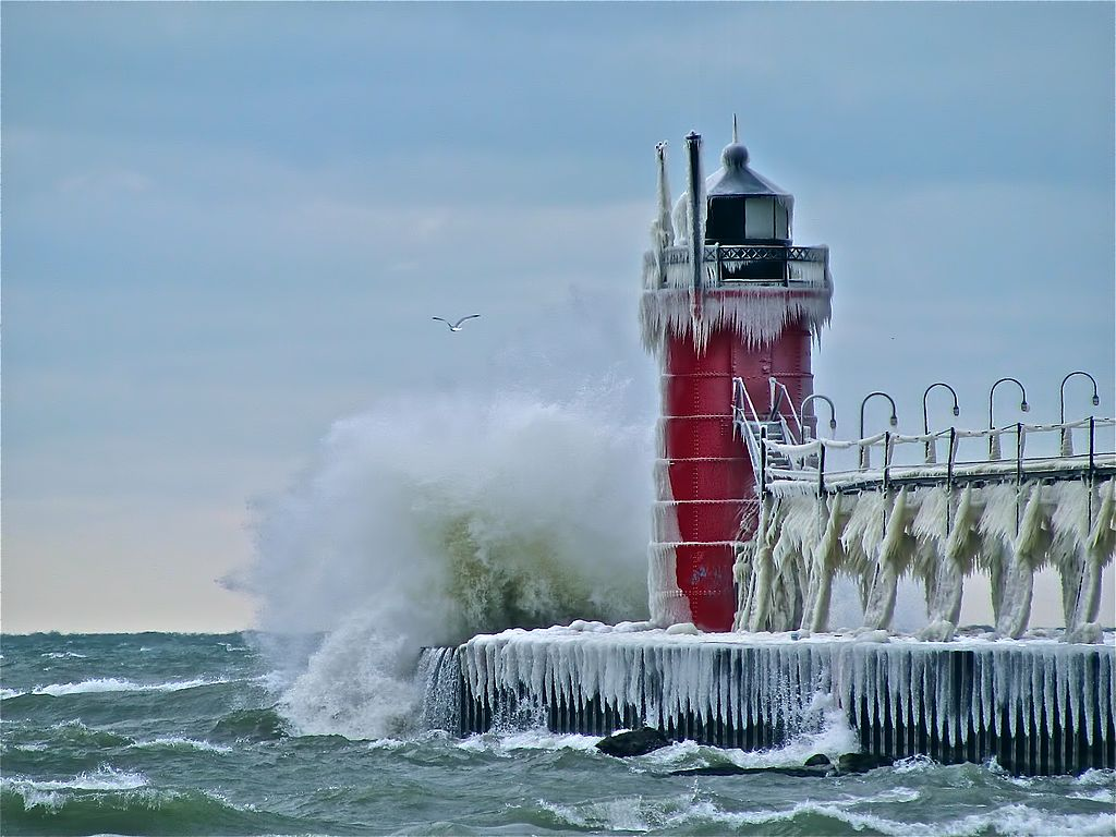 Icy South Haven lighthouse